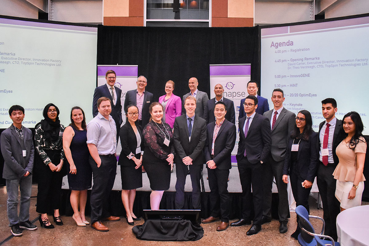 All three finalist teams stand alongside industry expert judges and Innovation Factory staff, hosts of the 2017 Synapse Life Science Competition. The three finalists were selected from 12 teams, based on the quality of their 10-15 page commercialization plans.